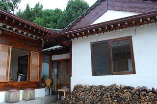 Mium Gallery & Tea house