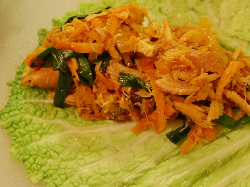 Spicy turkey cabbage wrap (2)
