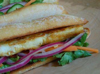 Sandwich w pickles