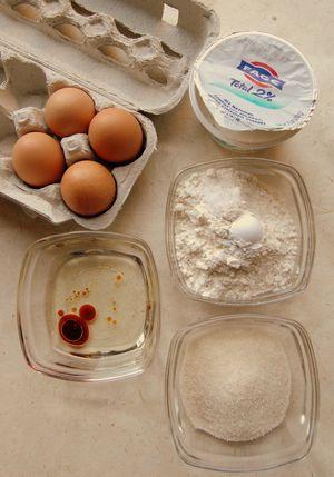 Yogurt cake - ingreds