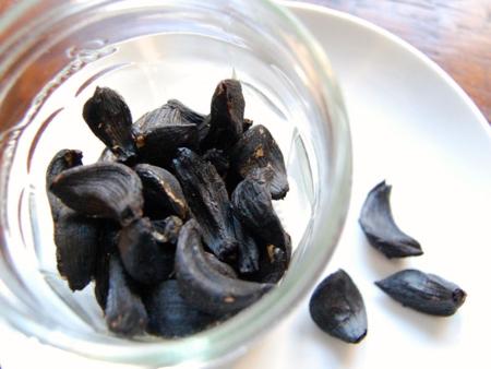 Homemade Black Garlic in Rice Cooker