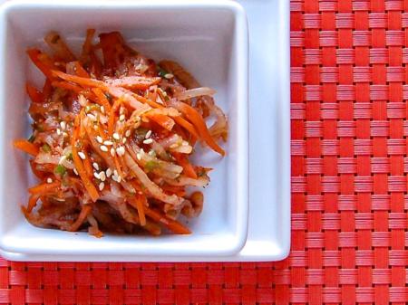 Kimchi-Style Radish Carrot Salad (무생채)