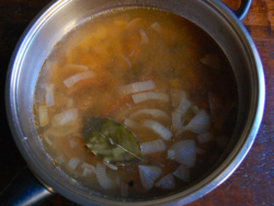2) Pour water, bring up to boil then simmer for 30 minutes+.