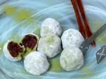 Green Tea Mochi with Red Bean Filling (녹차 찹쌀떡)